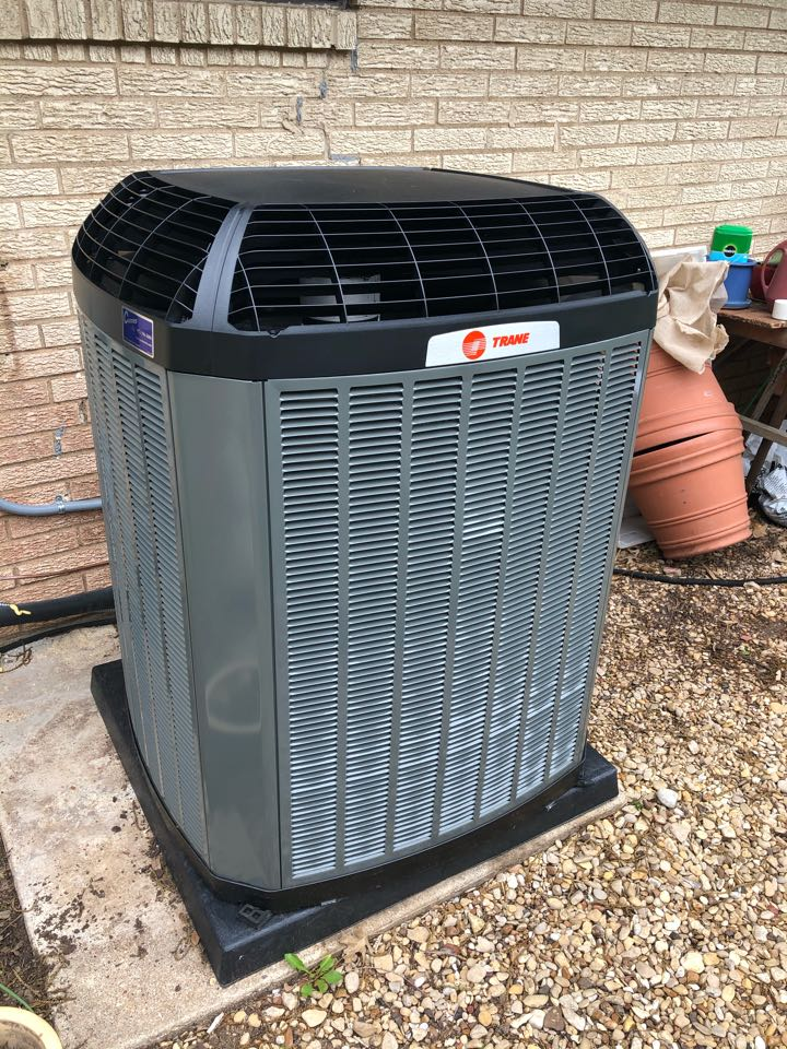 Waxahachie, TX - Air conditioning system replacement. Installed high efficiency inverter heat pump.