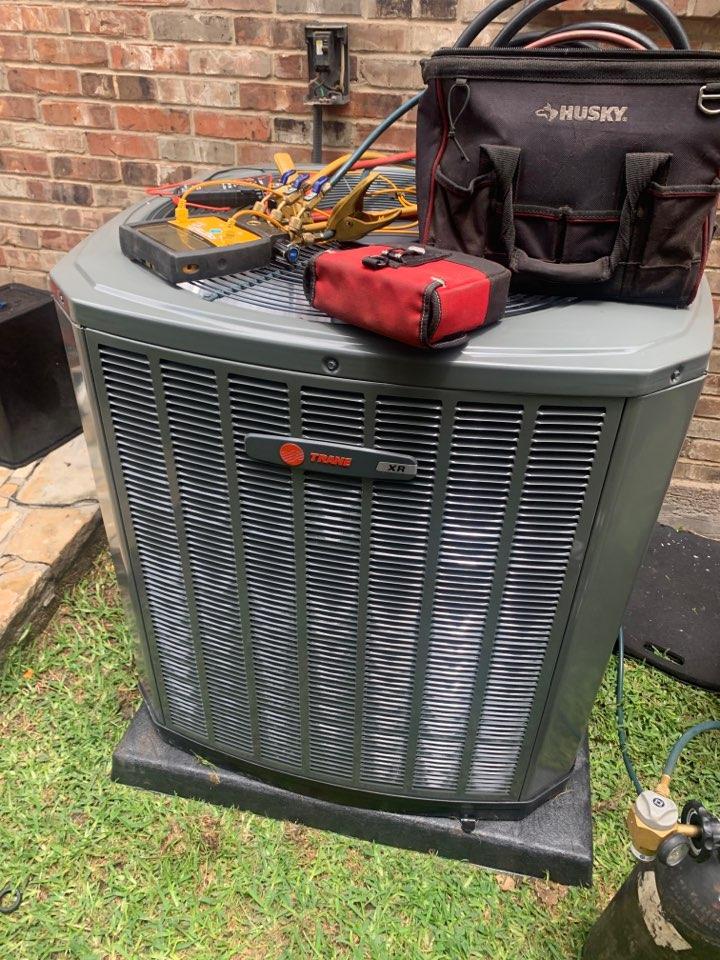 Duncanville, TX - Air conditioner service call repair, install a new Trane AC unit