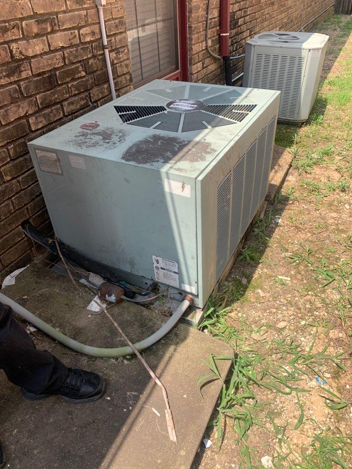 Duncanville, TX - AC service call repair on ruud air conditioner