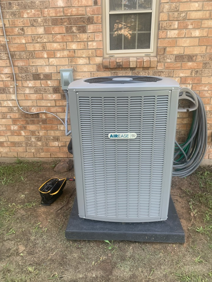 Air conditioner service call repair. Replace a new Ac unit
