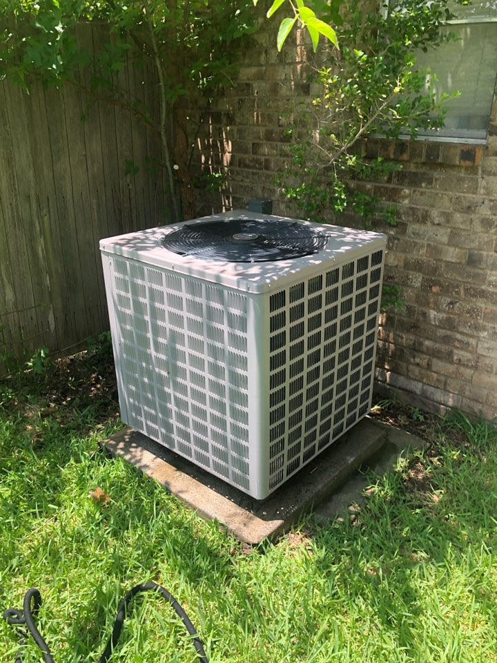 DeSoto, TX - Air conditioning diagnostic and repair. Performed cooling tuneup and summer maintenance inspection.
