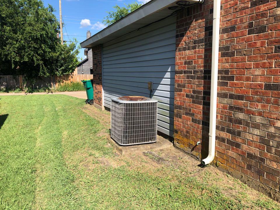 Cedar Hill, TX - Air conditioning diagnostic and repair.
