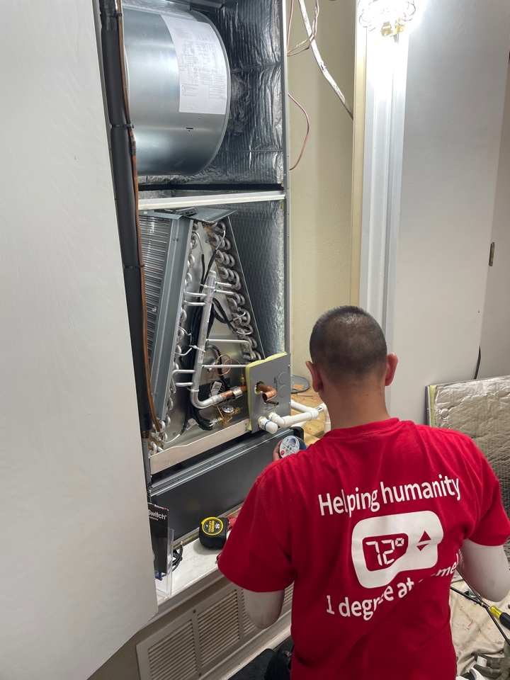 Air conditioner service call repair, install a new high efficiency AC unit