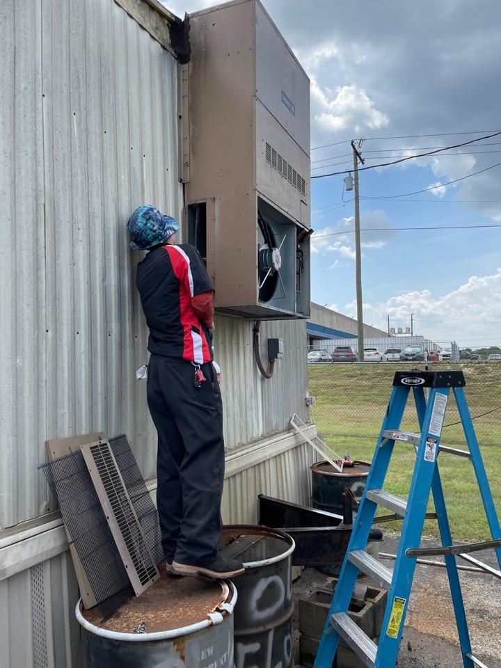 Air conditioner service call repair