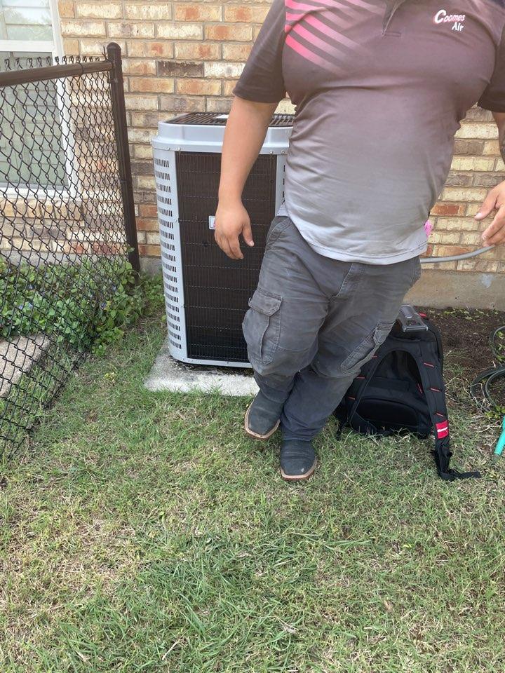 Midlothian, TX - Air conditioner service call repair