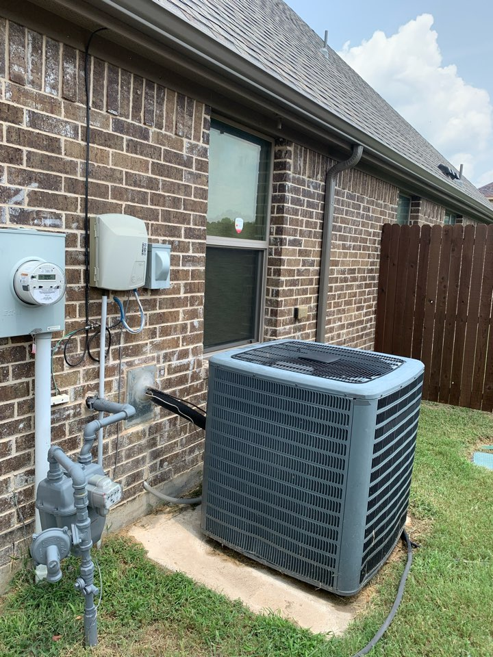 DeSoto, TX - Heating and Air company making customers very happy in the area! We're able to get our customers cooling within minutes of our arrival: