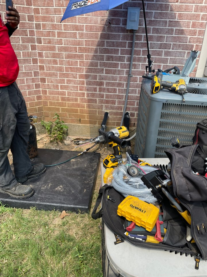 Arlington, TX - AC service call repair in, install new air conditioner