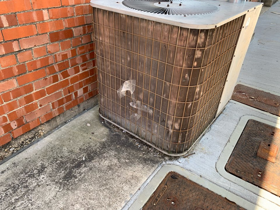 Dallas, TX - AC company that is highly recommended working on Air conditioning system. Will be very thorough and always have great attitudes towards customers. Be sure to check them out