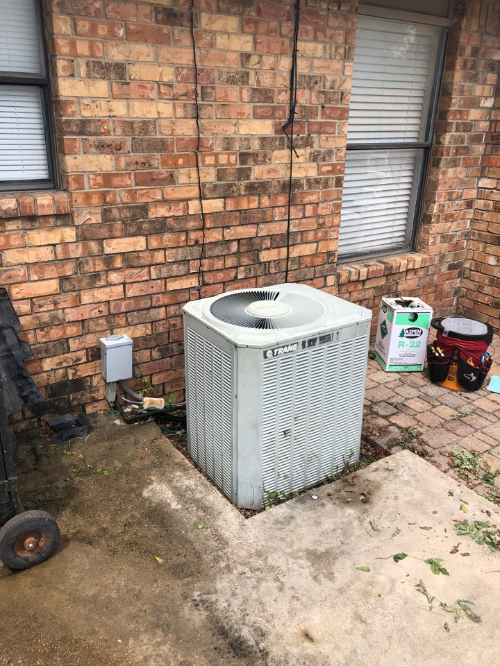 Duncanville, TX - Air conditioning diagnostic and repair service.
