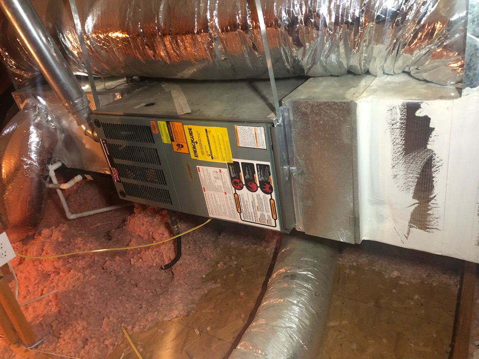 Cedar Hill, TX - Air conditioning diagnostic and repair recommendations.