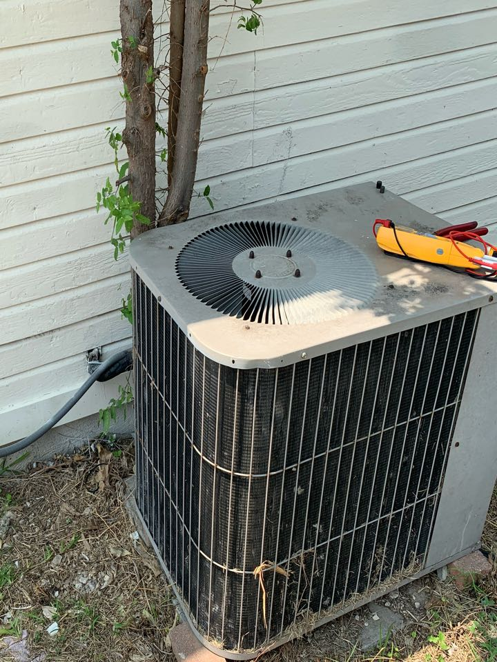 Cedar Hill, TX - Coomes Air is in the area to give you the best deals on AC repairs and new systems! They are loyal to their customers and came out immediately to fix an issue with the HVAC system! There isn't a problem to big or small for Coomes Air.