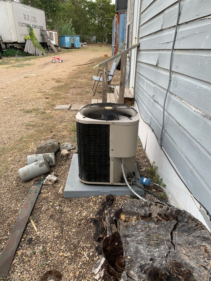 DeSoto, TX - Taking care of an HVAC IN THE AREA! Coomes HVAC is a great company and very dependable