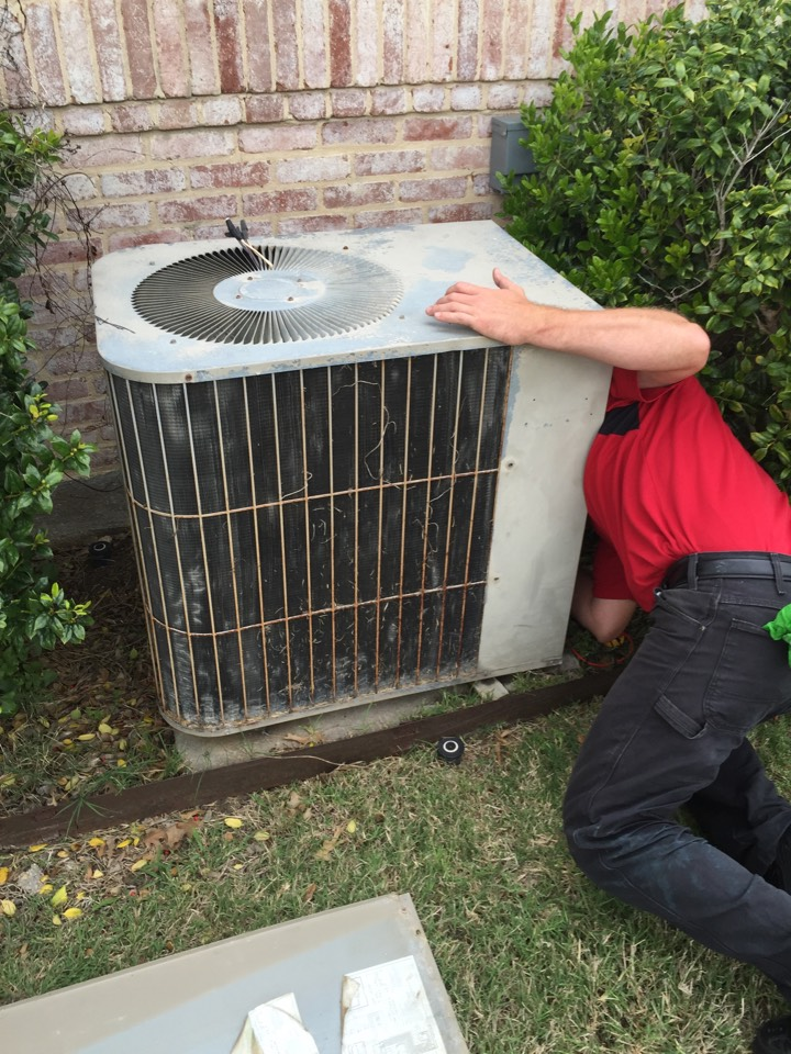 Red Oak, TX - AC service call repair in Ovilla, TX.