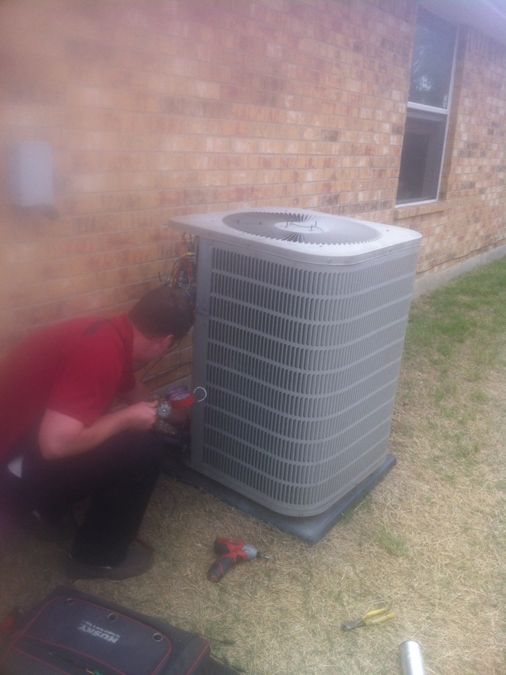 Red Oak, TX - AC service repair, replacing a motor on goodman AC unit in Red Oak tx