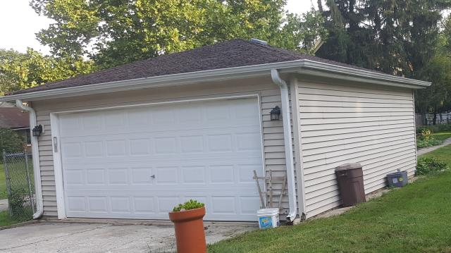 Aurora, IL - Estimating garage for roof replacement.