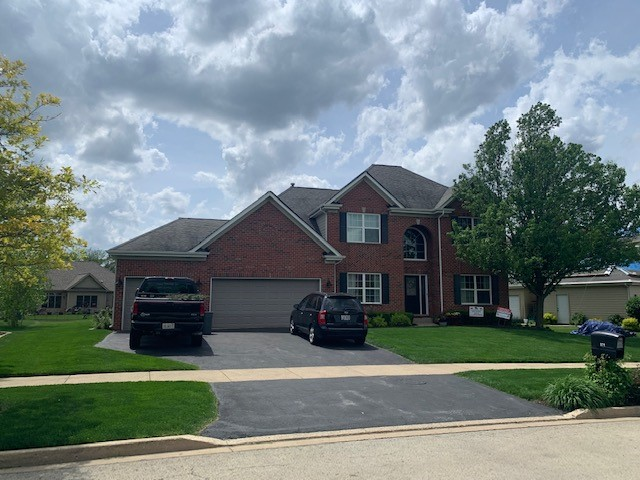 Yorkville, IL - tear off      certainteed shingles      roof repairs    laminated shingles    roof gutter  lifetime shingles    50 year shingles