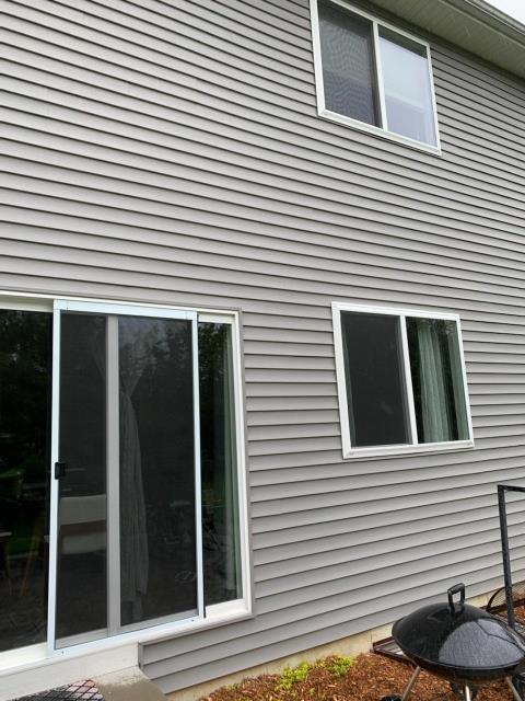 Yorkville, IL - Vinyl siding repair   wind damage    storm damage   insurance claim  aluminum fascia   aluminum soffit  gutters