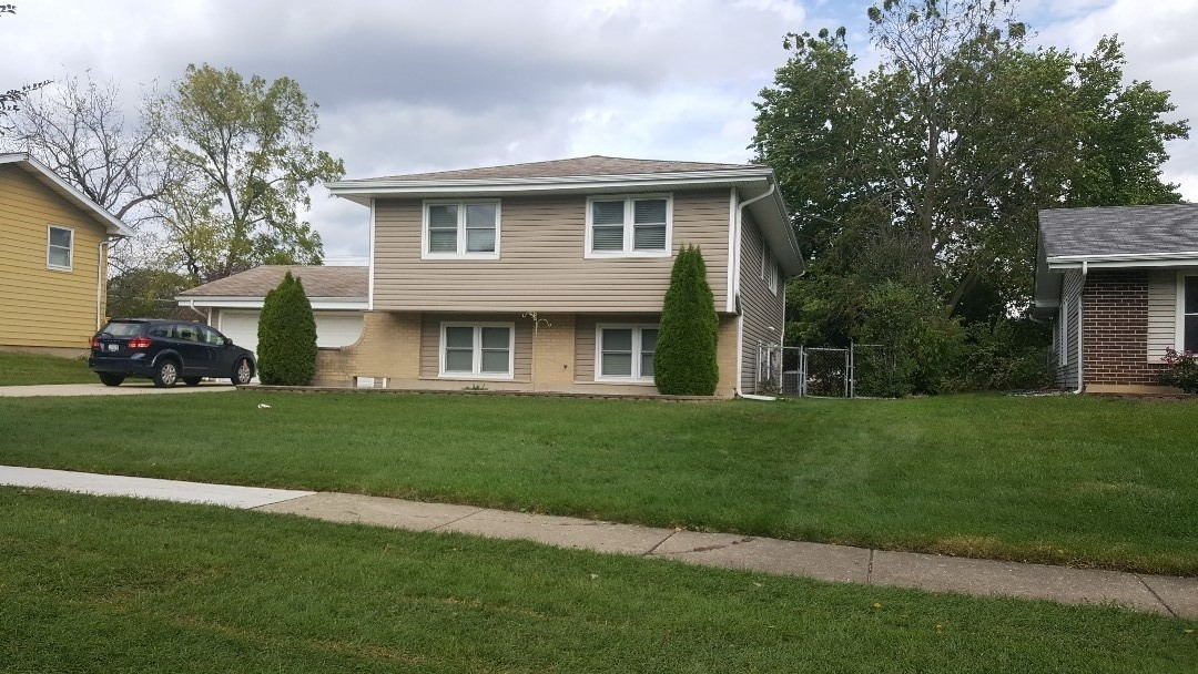 Hoffman Estates, IL - New roof. 1470. Caldwell