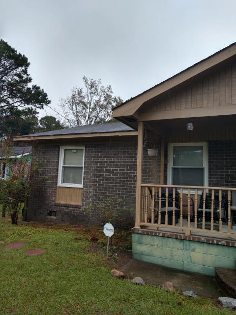 Charleston, SC - Customer has missing shingles