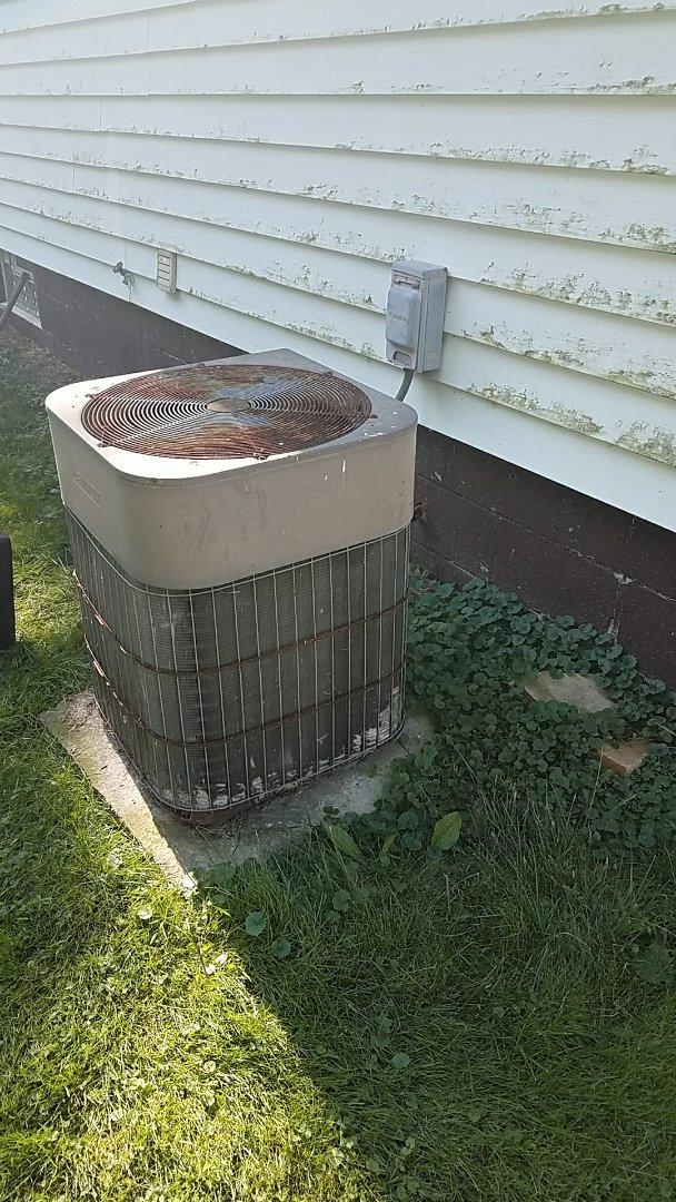 Repairing a lennox central air unit that won't come on.