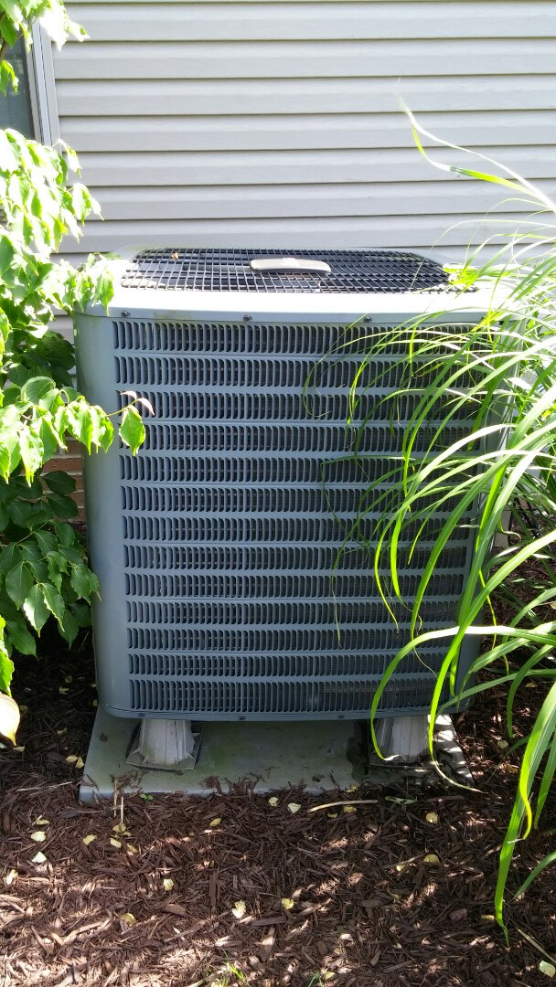 Warren, OH - Amana Heat pump no operating replaced capacitor