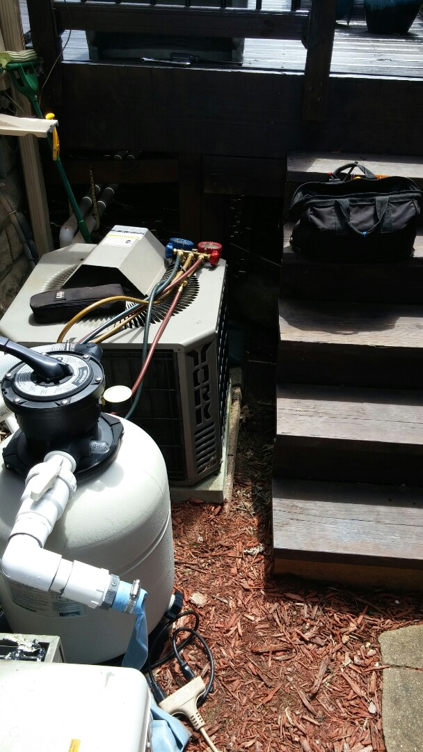 R22 York condenser exam  Checked refrigerant, temp drop, all electrical components