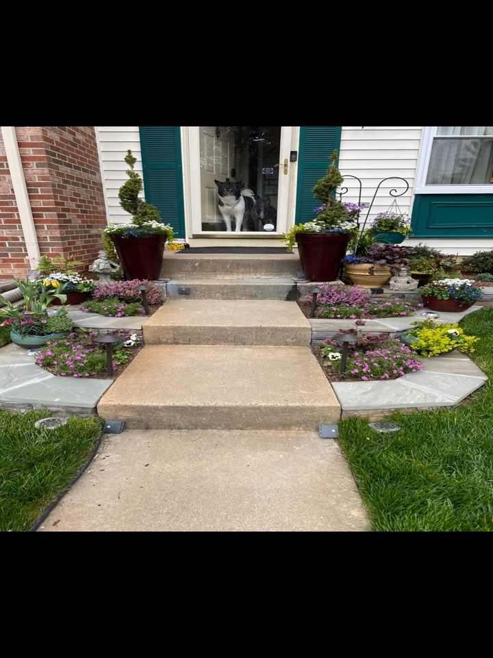 Woodbridge, VA - Adding curb appeal with retaining walls and new landscape plants!! Color and retaining wall edging add so much to the front of a home 🙂