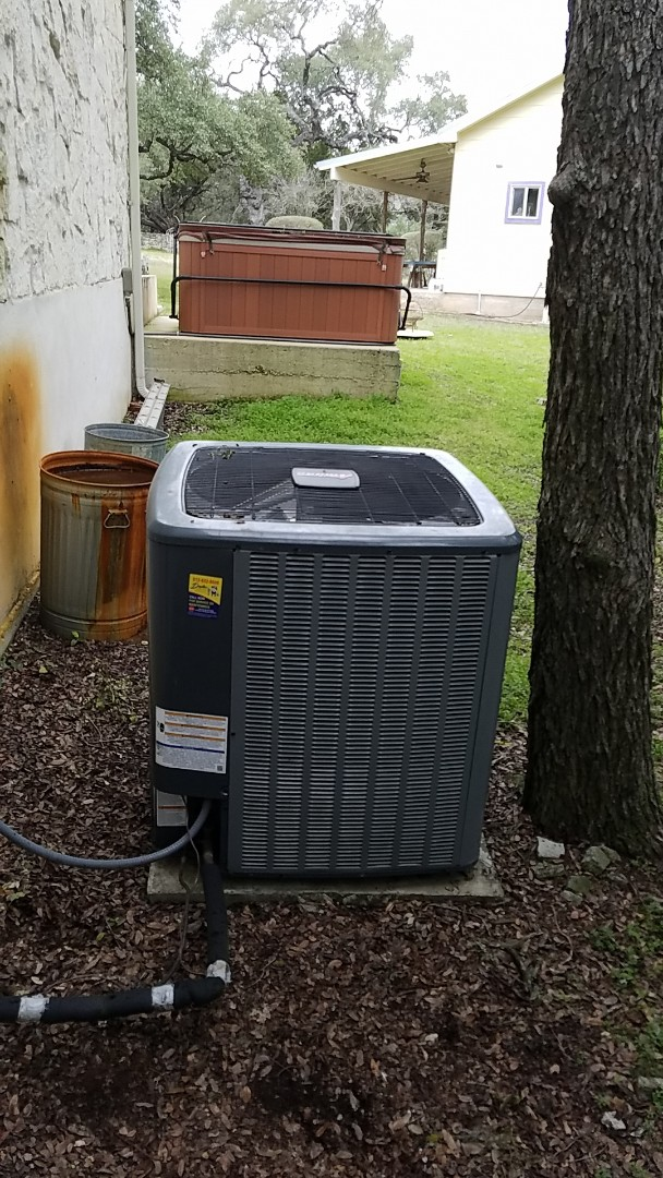 Wimberley, TX - A preventive maintenance on a Amana heat pump system with a bad control board