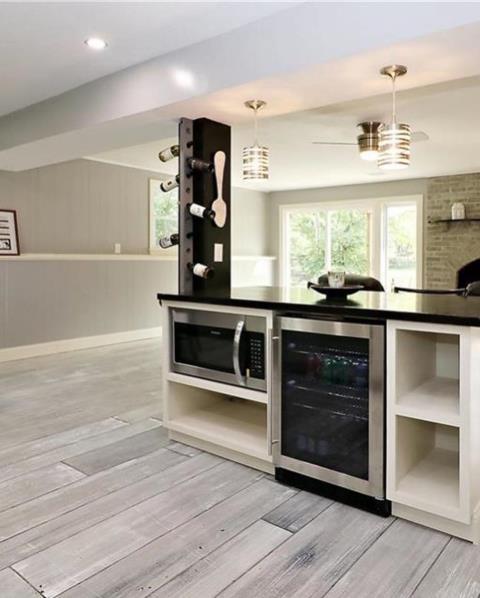 Cincinnati, OH - Decorative Concrete Contractor that specializes in epoxy flooring, epoxy garage floors, decorative concrete, concrete staining, concrete resurfacing and more!