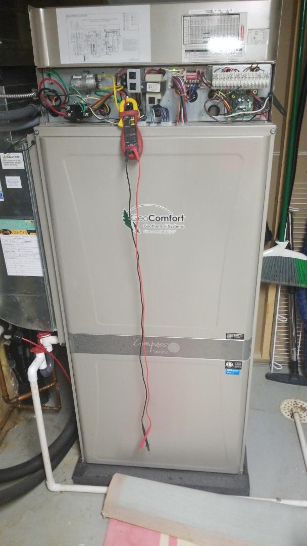 Zearing, IA - Servicing a 2014 Geocomfort geothermal heat pump in rural Zearing.