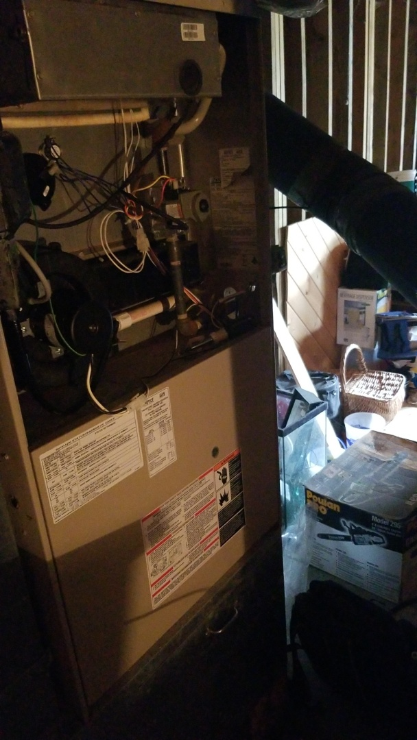 Dallas Center, IA - Servicing a 2001 Lennox furnace with a 2015 Lennox heat pump in rural Dallas Center.