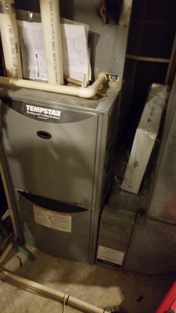 Gilbert, IA - Servicing a 2005 Tempstar furnace in residential Gilbert.