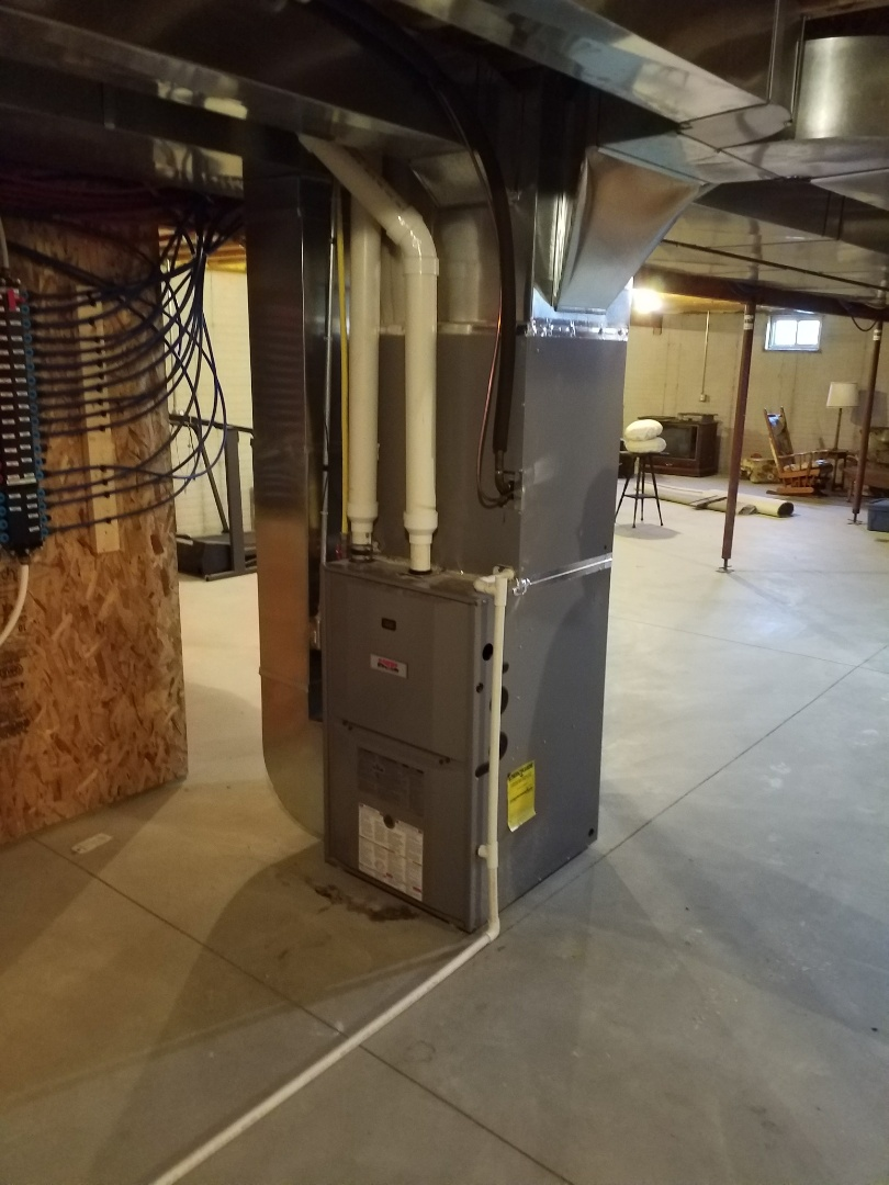Collins, IA - Quoting rural property owner in Collins Iowa for heating and cooling replacement systems.
