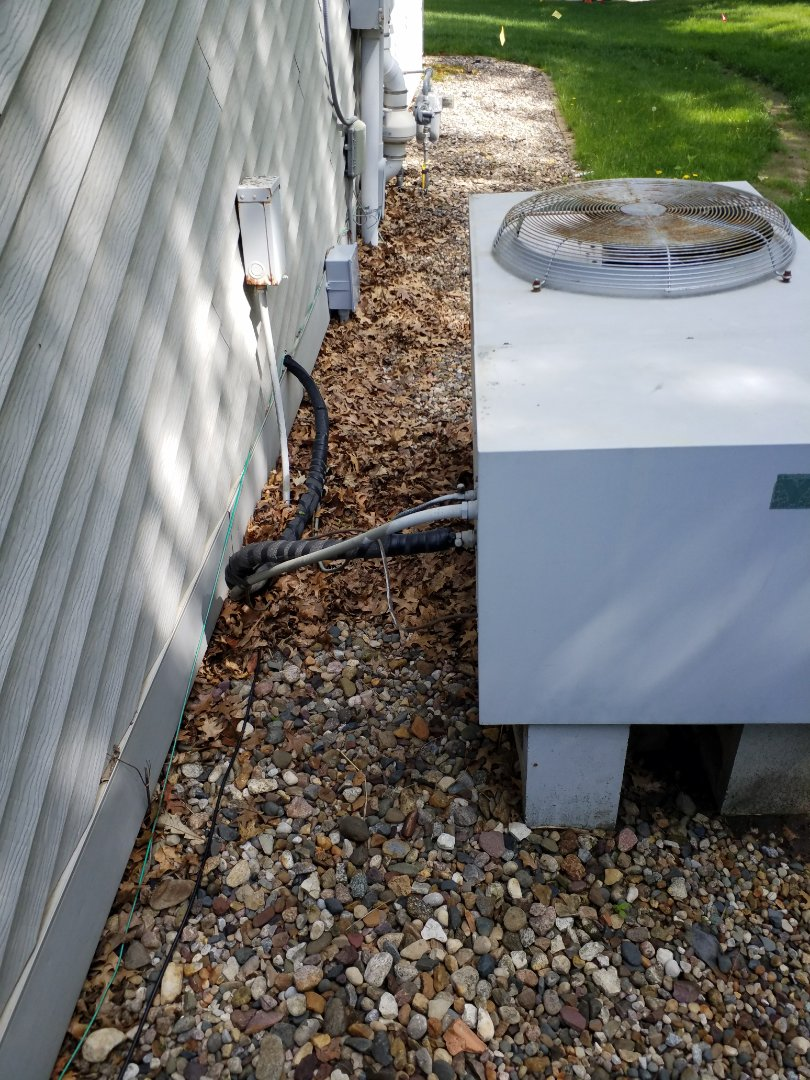 Madrid, IA - Quoting residential home owner in Madrid Iowa for heating and cooling replacement systems