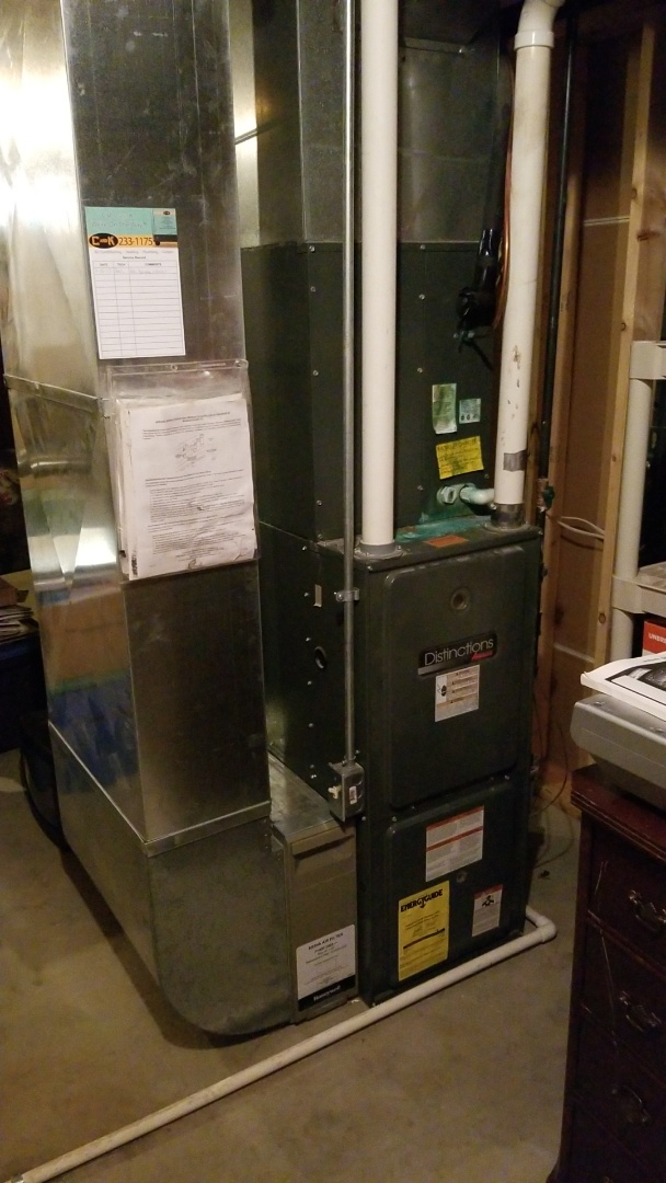 Bondurant, IA - Performing a yearly furnace checkup on a Amana furnace in Bondurant IA