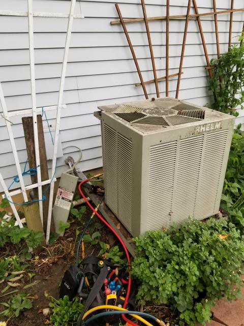 Pickerington, OH - Performed Diagnostic on Rheem AC Unit Leak was Found In Unit. Customer going with Estimate on a New Carrier AC System