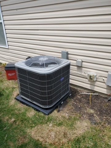 Canal Winchester, OH - previous system was a 2TON. Current system is a 2TON but client has a vaulted ceiling which could cause issues with keeping up on the 90F days. Under sizing isn't fully suspected at this time but could be a possibility. Advised client to have a attic fan installed as well.