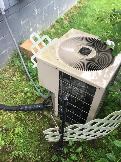 Alexandria, OH - I Arrived on site customer bought house last year had to put several pounds of refrigerant in the system then. Said it's not cooling again. Gauged onto the Goodman Air Conditioner system that runs on  r22 freon , This is low System is not labeled on how much it holds. Probably between 6-7 lbs. 3 ton ac.