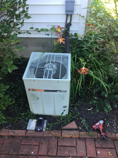 Westerville, OH - I Replaced the  Compressor-Motor Surge Capacitor and added .75 pounds of Refrigerant R-22 Freon 2000 Trane Air Conditioner