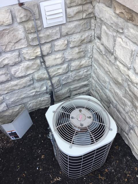 New Albany, OH - I replaced the Compressor-Motor Surge Capacitor on 2003 Bryant air conditioner