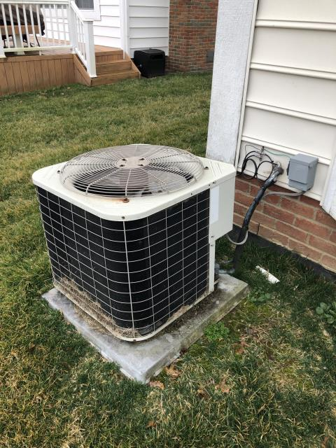 New Albany, OH - I Replaced the  Compressor-Motor Surge Capacitor on the Bryant 2000