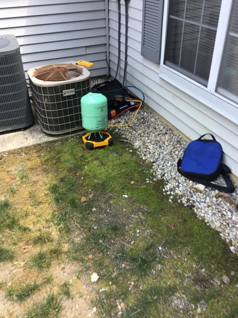 Westerville, OH - Customer wants to add refrigerant to the system, to get through and replace system. Scheduled install for Wednesday. Charged system to recommended superheat of 25. System is fully charged and ready for temporary cooling. At this time the house is 87 degrees it is going to take all day to fully cool it off.