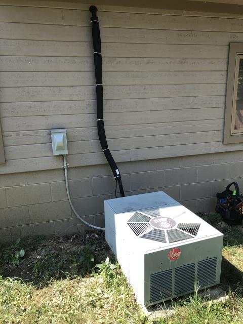 Worthington, OH - Found Rheem AC empty of refrigerant. Customer requesting a quote for new Carrier equipment.