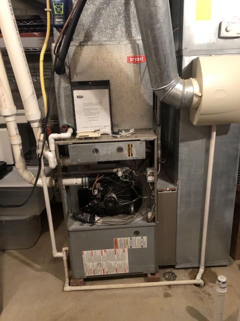 Lewis Center, OH - 	I am Performing our Five Star Tune-Up & Safety Check on a 2004 Bryant  Gas Furnace. All readings were within manufacturer's specifications, unit operating properly at this time.