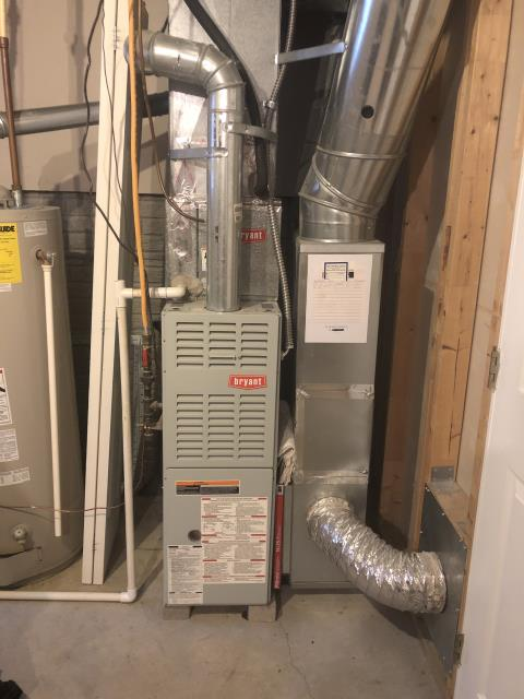 Sunbury, OH - Ignitor shorted on the 2001 Bryant furnace. Replaced ignitor, furnace heating upon departure.