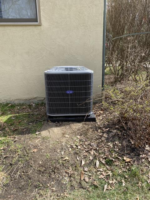 Reynoldsburg, OH - I installed a Carrier 13 SEER 3.5 Ton Air Conditioner. System is set and ready for the cooling season.