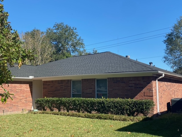 Missouri City, TX - Great new roof for this Missouri City homeowner! We were happy to help them through this replacement!
