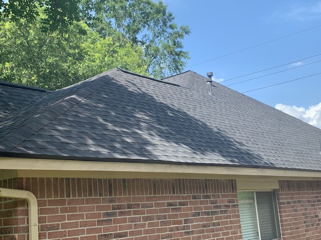 Humble, TX - It was a beautiful day to complete a roof replacement in Kingwood, TX.