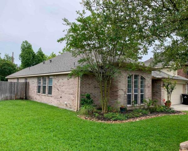 Tomball, TX - Anderson Restoration provided this Tomball resident with a free roof inspection. They had major hail damage and their insurance worked with us to get their roof replaced!