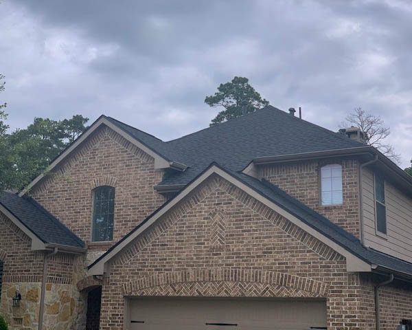 Humble, TX - Completed this roof replacement just before the rain! This Humble homeowner was incredibly impressed with how quickly we were able to provide high quality service and products.